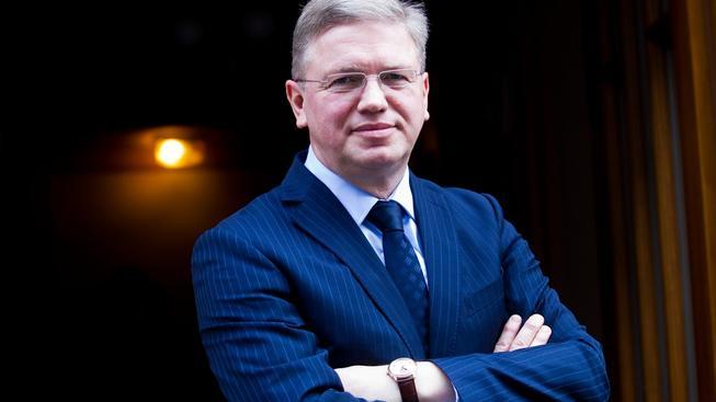 Brusel udělal chybu, přiznává bývalý eurokomisař Füle
