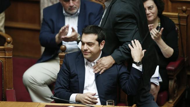 Řecký premiér Alexis Tsipras krátce po tom, co se dozvěděl, že věřitelé zamítli prodloužení záchranného programu