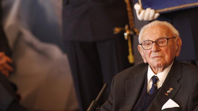 Sir Nicholas Winton během války zachránil z Československa 669 převážně židovských dětí