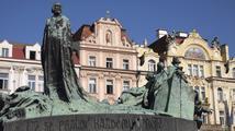 Od smrti Jana Husa uplynulo 600 let, sousoší na Staroměstském náměstí ho připomíná už století