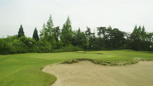 Péče o golfová hřiště je náročná a bez hráčů finančně neudržitelná (ilustrační snímek)