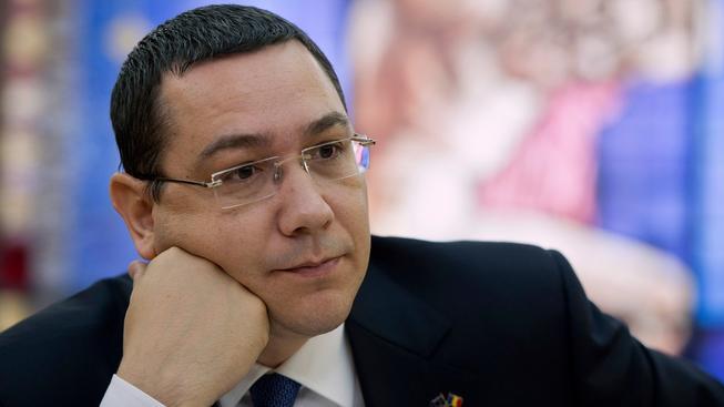 Rumunský premiér Victor Ponta sice rezignoval na post předsedy své strany, předsedou vlády ale zůstává