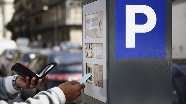 Moderní parkovací automaty umožňují i placení kartou. Ilustrační foto