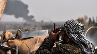 Kurdské milice tvrdí, že jejich Islámský stát jejich jednotky napadl jedovatým plynem (ilustrační snímek)