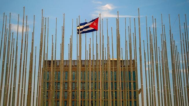 Kubánská vlajka vztyčená v USA stala symbolem americko-kubánských vztahů. Ilustrační foto