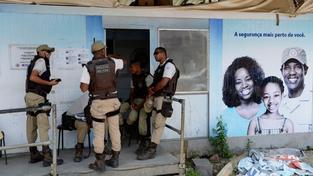 Vraždy stylem připomínají popravu a použité střelivo je běžně dostupné jen policii. Právě policejní msta za vraždu kolegy je jednou z vyšetřovacích verzí (ilustrační snímek)