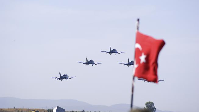 Turecké letouny vzlétají ze základny. Ilustrační foto
