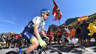 Britský cyklistický talent Adam Yates