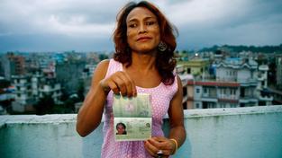 """První nepálský pas s """"O"""" byl vydán Monice Šáhiové"""