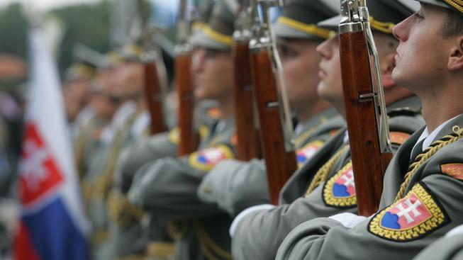 Slovensko prý díky zavedení dobrovolné branné povinnosti získá 150 vojáků ročně
