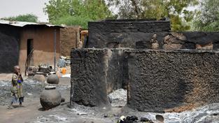 Při útoku islamistů z hnutí Boko Haram na nigerijskou vesnici zemřelo nejméně 150 lidí (ilustrační snímek)