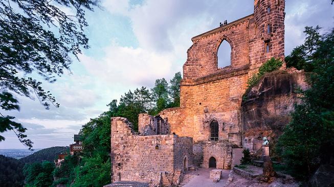 Hrad Oybin nebo také Ojvín