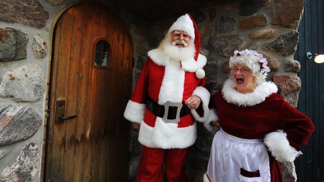 Daně musí platit i kancelář Santa Clause (ilustrační snímek)