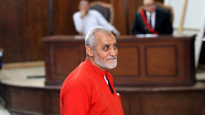 Muhammad Badí dostal u egyptského soudu další doživotí