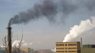 Benzo(a)pyren se nachází ve znečištěném ovzduší  (ilustrační snímek)