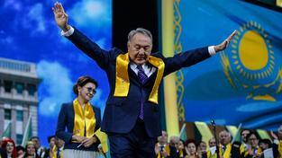 """Nazarbajev letos oslavil další vítězství v prezidentských """"volbách"""""""