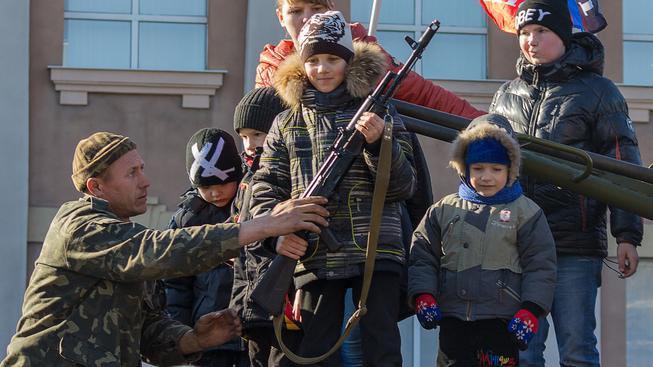 Od vzpoury na Donbase se nelegální obchod se zbraněmi na Ukrajině silně rozšířil. Ilustrační snímek