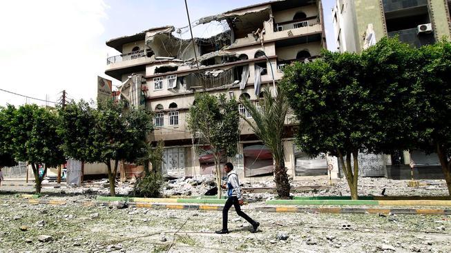 Některé části města Saná byly zcela vybombardovány