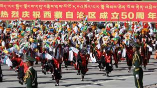 Čína oslavila 50. výročí vzniku Tibetské autonomní oblasti ve velkém stylu