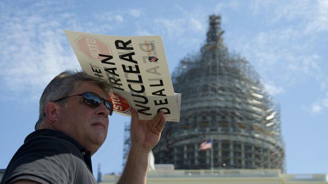 Před americkým Kongresem demonstrovali lidé proti dohodě s Íránem