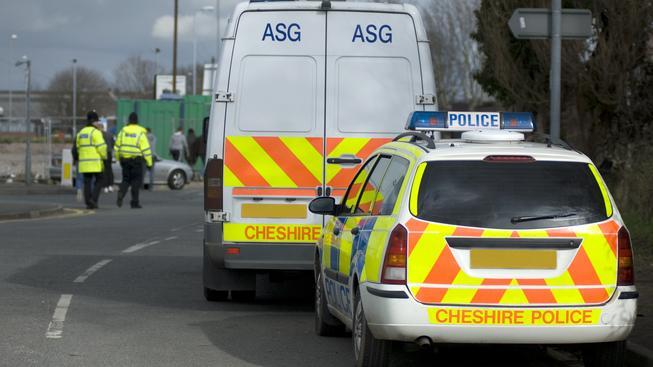 Britská policie se snaží bojovat s teroristickou hrozbou. Ilustrační foto