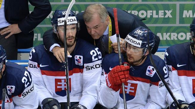 Slovenský tým s koučem Vůjtkem na loňském mistrovství