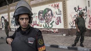 Egyptští vojáci a policisté budou muset vysvětlit, proč stříleli na konvoj s mexickými turisty. Ilustrační foto
