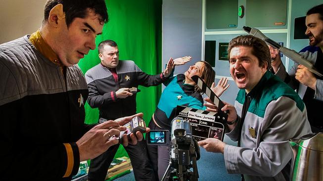 Star Trek přitahuje tvořivé lidi jako magnet. Na snímku skupina skotských fanoušků, která si natočila pár nových epizod ve vlastní kuchyni