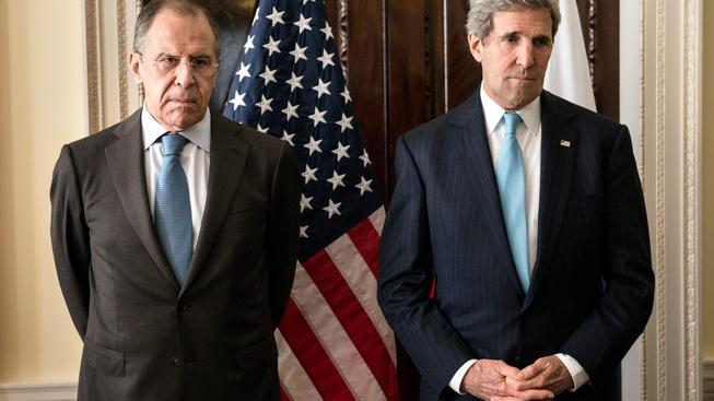 Kerry a Lavrov spolu telefonicky mluvili o ruské podpoře Asadovi