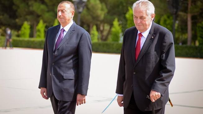 Český prezident Miloš Zeman zahájil se svým ázerbájdžánským protějškem podnikatelské fórum