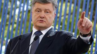Porošenka kritizují média za podepsání sankčního seznamu