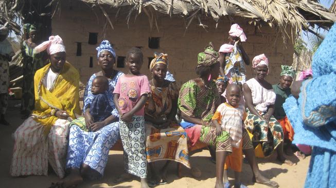 V Gambii je pro zdraví dětí důležitá výživa rodičů i roční doba, do které se narodí. Ilustrační foto