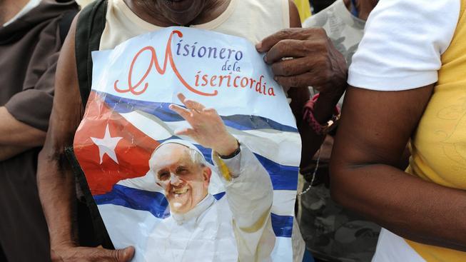 Papež byl na Kubě vítán davy příznivců