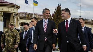 Stoltenberg a Porošenko ve Lvově