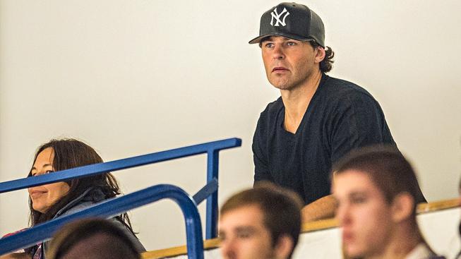 Jaromír Jágr v hledišti kladenského stadionu. Nyní už je na Floridě, kde se připravuje na novou sezonu NHL