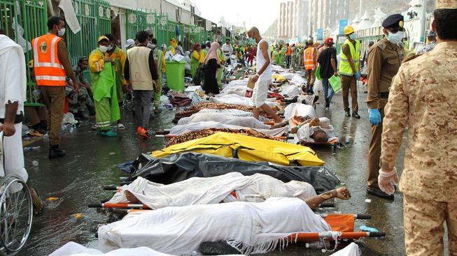 Během čtvrteční pouti do Mekky zemřelo 717 lidí