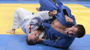 Alexandr Jurečka (v bílém) během moskevského Grand Slamu