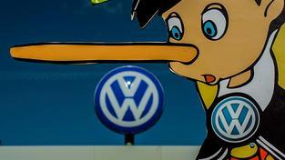 Protest Greenpeace proti VW v 'hlavním městě automobilky' Wolfsburgu