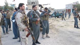 Afghánské vládní jednotky před hranicemi města Kundúz