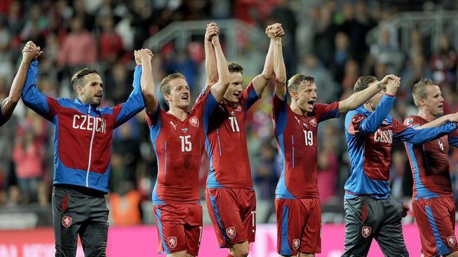 Čeští fotbalisté se radují z vítězství nad Kazachstánem