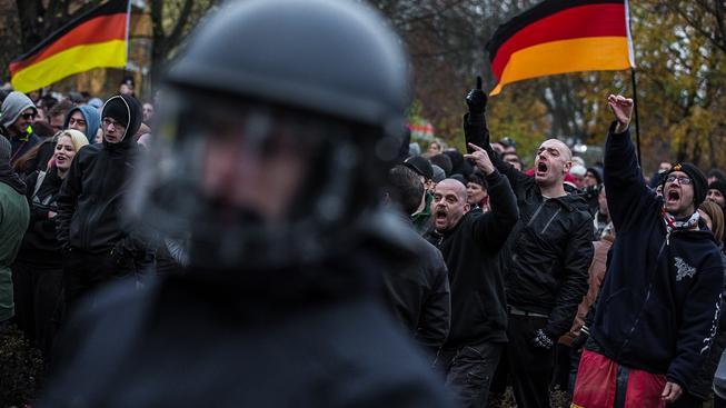 Demonstrace proti uprchlíkům v Berlíně