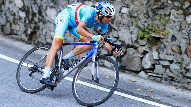 Vincenzo Nibali zaútočil ve sjezdu
