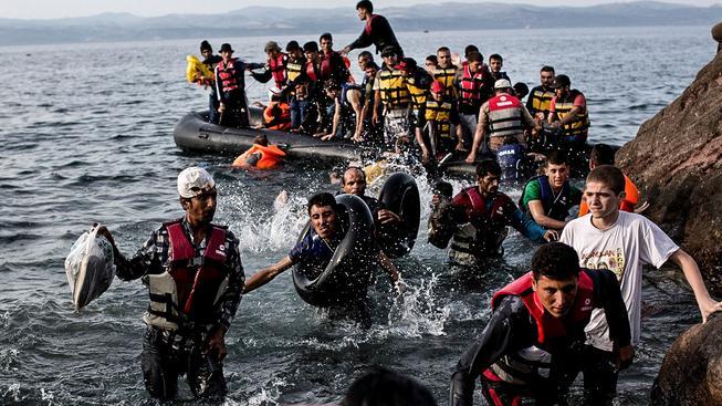 Uprchlíci na břehu řeckého ostrova Lesbos