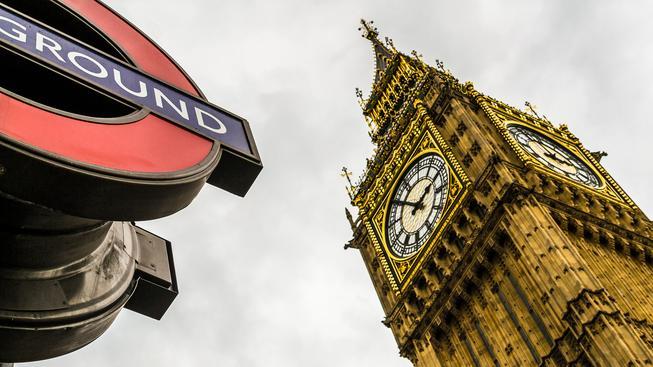 Big Ben, jeden z největších symbolů Británie, má vážné potíže