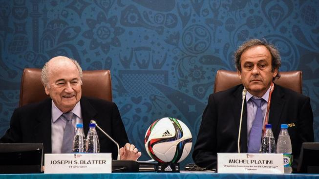 Bude to Michel Platini, kdo nahradí Seppa Blattera na postu prezidenta FIFA?