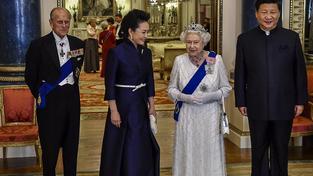 Královna a princ Philip s čínskou návštěvou