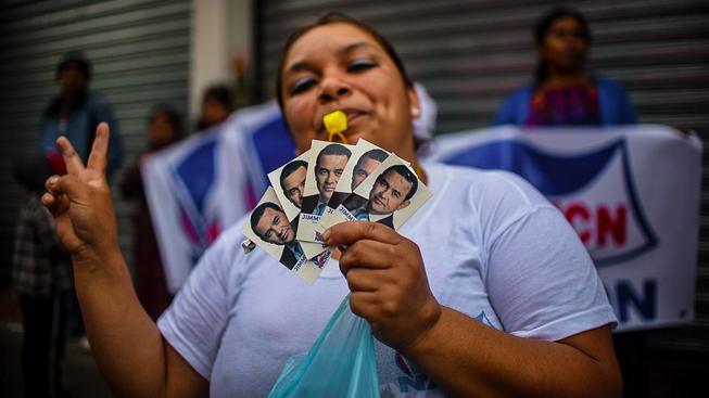 Šovinismus Moralesovi nezabránil v cestě do prezidentského sídla
