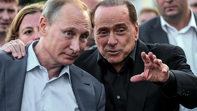 Silviu Berlusconimu hrozí za jeho návštěvu Krymu, kde se setkal s ruským prezidentem Vladimirem Putinem, až osm let vězení