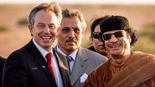Blair a Kaddáfí v roce 2007 v Libyi