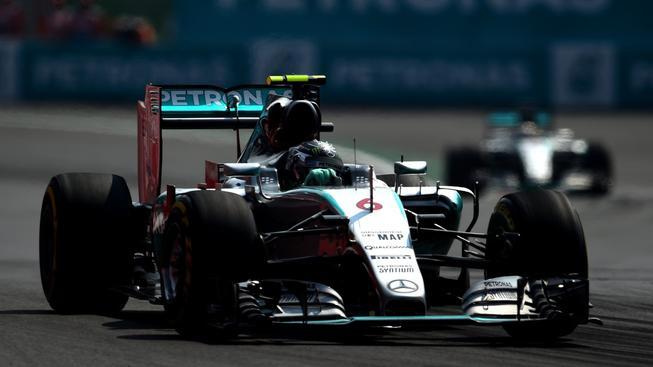 Rosberg si v Mexiku připsal čtvrté vítězství v letošním ročníku Formule 1